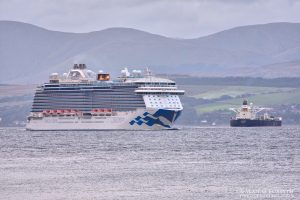 Regal Princess Cruise Ship Departing Clyde