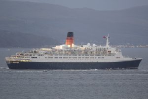 QE2 Leaving Clyde September 2007 (40th Anniversary)